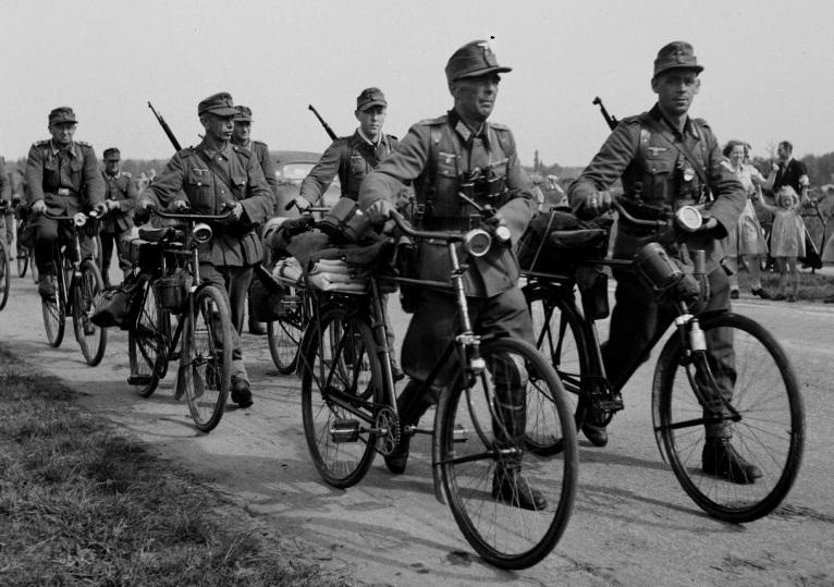 «Поверніть наші велосипеди!»